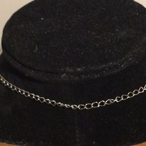 """Jewelry - Silver tone hoop strand chain link necklace 19"""""""